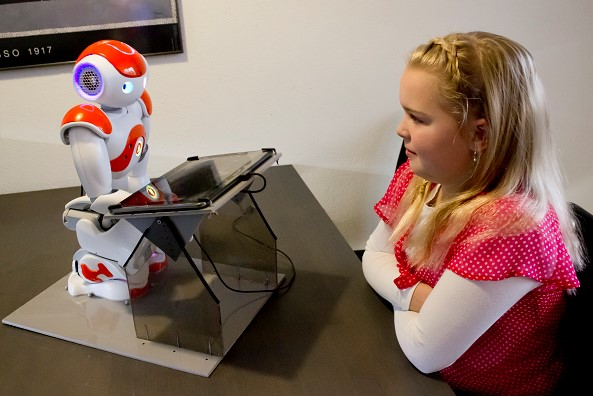 Social robots can motivate children into better managing their diabetes. But it's hard to match aspirations with capabilities, finds Dr Rosemarijn Looije.