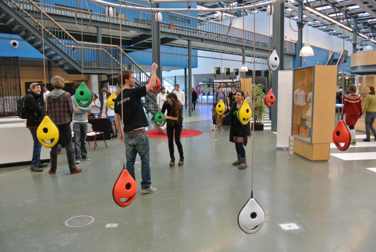 Students Exhibit Interactive Environments