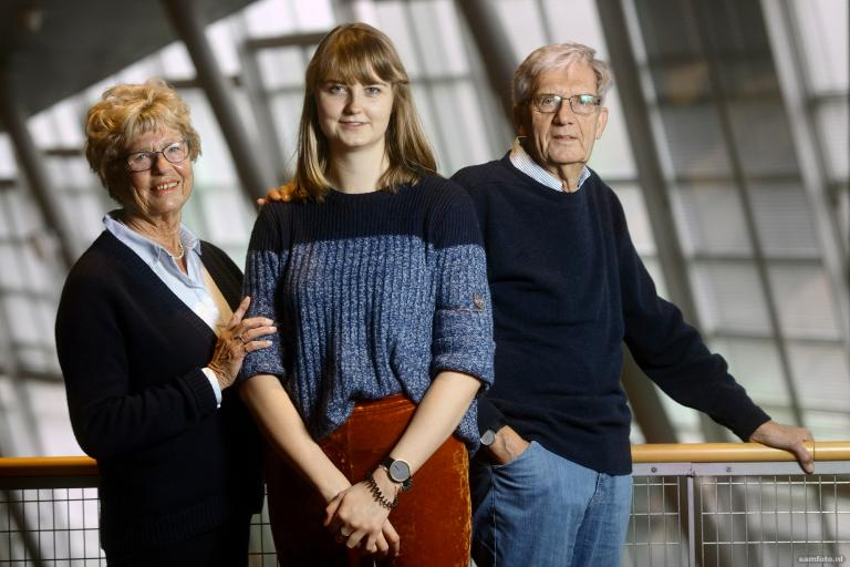 Generations of families have studied at TU Delft. Delta spoke to grandparents and grandchildren about then and now. Today it's Cees Distelbrink and granddaughter Anne Jacobs.