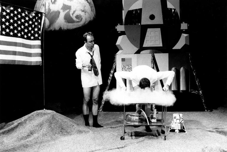 Man first set foot on the moon fifty years ago, and yet there are still people today who believe it was faked. In 2003 two TU Delft alumni even wrote a play about it.