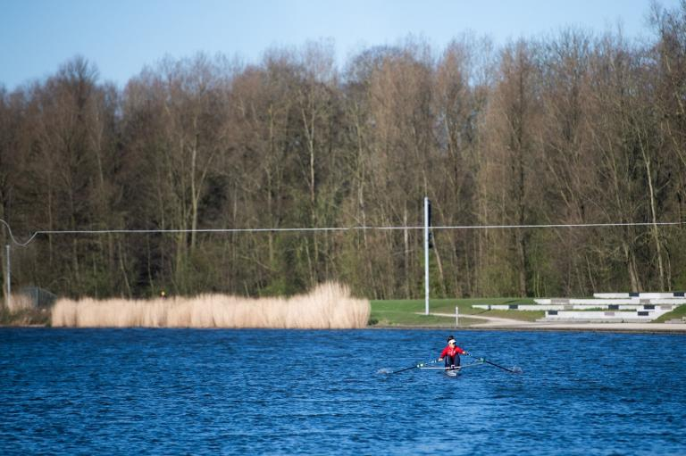 The postponement of the Olympic Games has also affected the top athletes at TU Delft. What does it mean for sailor Annette Duetz and rowers Bart Lukkes and Ellen Hogerwerf?