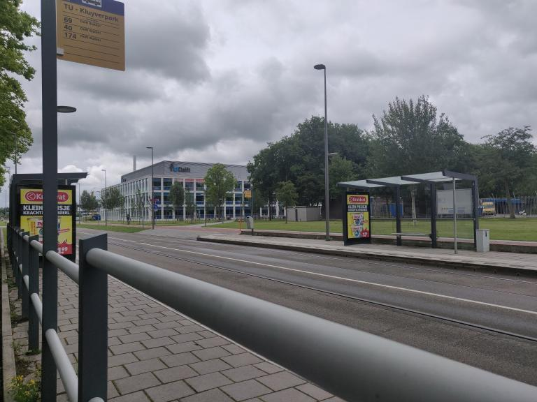 The Sint Sebastiaansbrug bridge may have been replaced but tram number 19 is still not running to the TU Delft campus and its route has been cut.