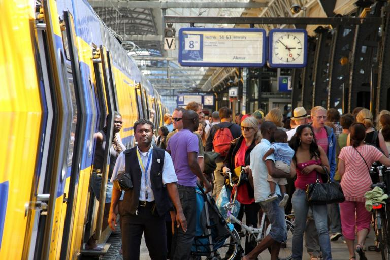Students traveling by rail in September should be prepared for crowded trains. NS Dutch Railways expect to transport a record of 36.7 million passengers next month.