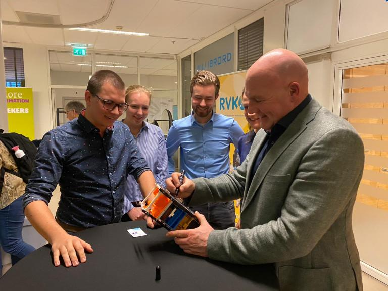 Astronaut Andre Kuipers gave the student project his blessing. (Photo: VSV Da Vinci)